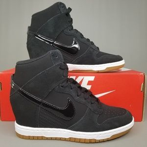 outlet store 20824 0a4cf Nike Dunk Sky High Essential Hidden Heel Shoes